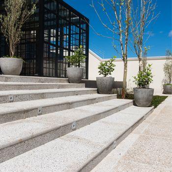 Cemento Arquitectónico Pacif Fresado Pulido Branco Mate  50x50 cm