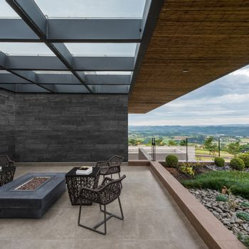 Cemento Arquitectónico Shou Sugi Ban Negro Mate  100x20x2 cm